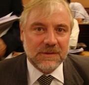 El diputado propone modificar el artículo 13 de la ley de Iosper.