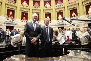 Benedetti y Bahillo, en el momento de la jura en el recinto de la cámara de Diputados de la Nación.